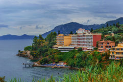 Hotel da praia em uma montanha Imagem de Stock