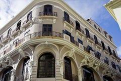 Hotel de canto cinzento Fotos de Stock Royalty Free
