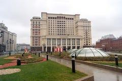 Hotel de cuatro estaciones en el cuadrado de Manezhnaya Foto de archivo libre de regalías