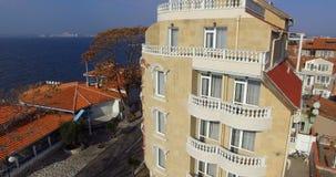 Hotel de familia en el bulevar de la playa desde arriba a Pomorie, Bulgaria