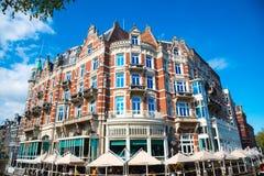 Hotel de l Europa ist ein Hotel mit fünf Sternen, das auf dem Amstel-Fluss, Amsterdam gelegen ist Lizenzfreie Stockfotografie