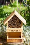 Hotel de la abeja y del insecto Imagenes de archivo