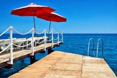 Hotel de la playa del embarcadero. Fotos de archivo libres de regalías