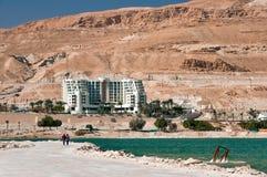 Hotel de Leonardo nas costas do Mar Morto fotos de stock royalty free