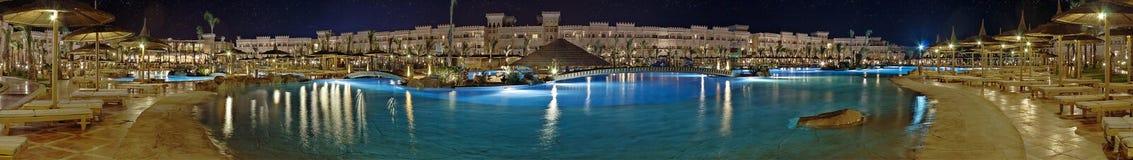 Hotel de lujo en la noche Fotografía de archivo libre de regalías