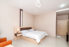 Hotel de lujo y hermoso del dormitorio Foto de archivo