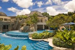 Hotel de luxo Sandy Lane, Barbados, mar das caraíbas foto de stock royalty free