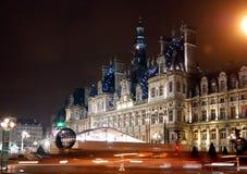 Hotel-de-Ville & x28; Città Hall& x29; a Parigi alla notte Fotografia Stock