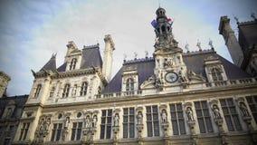 Hotel de Ville em Paris, sightseeing em França, arquitetura europeia bonita vídeos de arquivo