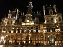 Hotel de Ville en la noche Fotos de archivo libres de regalías