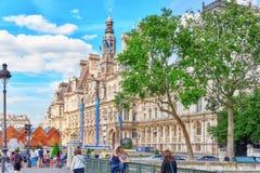 Hotel de Ville a Parigi, è l'annuncio del locale del ` s della città dell'alloggio della costruzione Fotografie Stock Libere da Diritti