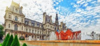 Hotel de Ville a Parigi, è l'annuncio del locale del ` s della città dell'alloggio della costruzione Fotografie Stock
