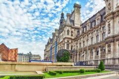 Hotel de Ville a Parigi, è l'annuncio locale della costruzione della città dell'alloggio Immagine Stock Libera da Diritti