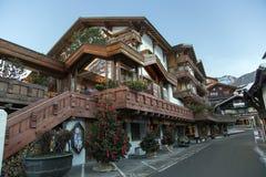 Hotel del centro turístico y del balneario de Ferienart en Saas-tarifa Imagen de archivo