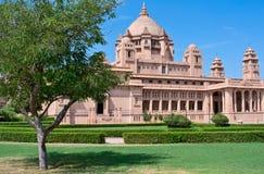 Hotel del palacio de Umaid Bhawan en Jodhpur, la India Foto de archivo