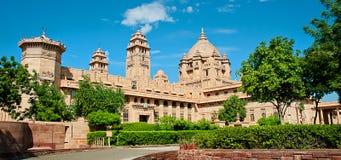 Hotel del palacio de Umaid Bhawan en Jodhpur en Rajasthán, la India foto de archivo