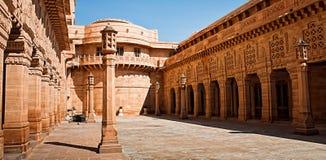 Hotel del palacio de Umaid Bhawan en Jodhpur en Rajasthán, la India Panora fotos de archivo libres de regalías
