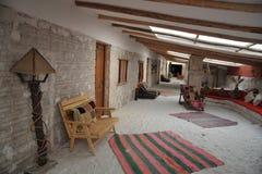 Hotel del sale per i turisti sugli appartamenti del sale di Uyuni Fotografia Stock