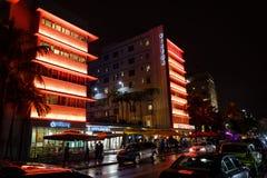 Hotel del sur de la avenida del océano de la playa en la noche en Miami la Florida los E.E.U.U. Fotografía de archivo