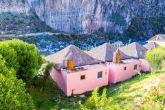 Hotel dell'alta società e cortile d'invito in canyon di Colca, Perù nel Sudamerica Immagini Stock Libere da Diritti