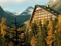 Hotel della montagna Fotografie Stock Libere da Diritti