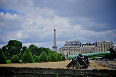 Hotel des invalides and eiffel tower Royalty Free Stock Images