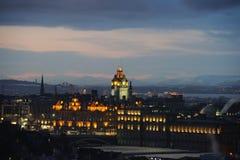 Hotel di Balmoral, Edinburgh, Cotland, Regno Unito, al crepuscolo fotografia stock libera da diritti