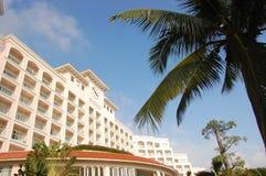 Hotel di ricorso laterale della spiaggia Immagine Stock