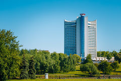 Hotel die Wit-Rusland in district Nemiga in Minsk bouwen royalty-vrije stock foto's