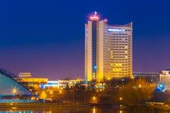 Hotel die Wit-Rusland in Oud Deel Minsk bouwen, de stad in Stock Foto's