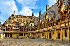 Hotel Dieu, Beaune, Francia imagen de archivo libre de regalías