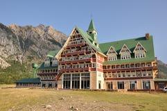 Hotel do príncipe de Gales, lagos parque nacional Waterton, Alberta, Ca imagem de stock