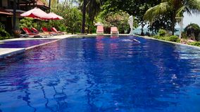 Hotel durch Meer Indonesien, Bali stock footage