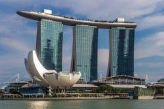 Hotel e casinò moderni Marina Bay Immagini Stock Libere da Diritti