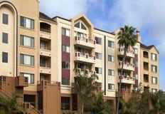 Hotel e condomini della spiaggia dell'Oceano Pacifico Fotografia Stock Libera da Diritti
