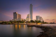 Hotel e mare della città di Pattaya con alba di mattina Immagini Stock Libere da Diritti