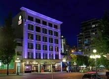 Hotel e pub di Strathcona alla notte Fotografia Stock Libera da Diritti