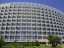 Hotel e territorio a Adalia un giorno soleggiato Fotografia Stock Libera da Diritti