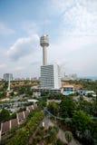 Hotel e torri della spiaggia del parco di Pattaya Fotografia Stock Libera da Diritti