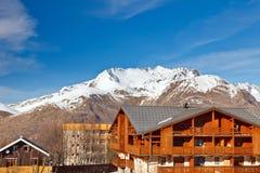Hotel em alpes franceses Foto de Stock Royalty Free