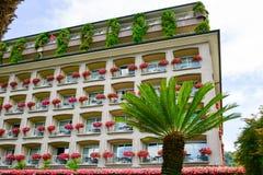 Hotel em Stresa no lago Maggiore, Itália fotografia de stock