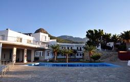 Hotel en Grecia fotografía de archivo libre de regalías