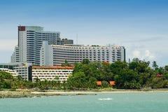 Hotel en la playa Imágenes de archivo libres de regalías