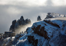 Hotel en montañas del invierno Fotografía de archivo libre de regalías