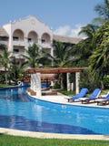 Hotel en Pool