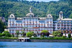 Hotel en Stresa en el lago Maggiore, Italia fotografía de archivo