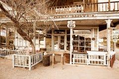 Hotel en un pueblo fantasma en la ruta 66 Imagen de archivo libre de regalías