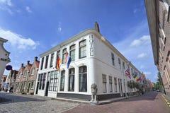 Hotel en una mansión antigua en Zierikzee, Zelanda, Holanda Imágenes de archivo libres de regalías
