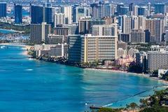 Hotel fronte mare in Waikiki che allinea la linea costiera Immagine Stock Libera da Diritti