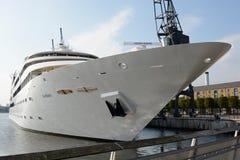 Hotel galleggiante in Docklands, Londra, Inghilterra di Sunborn Fotografia Stock Libera da Diritti